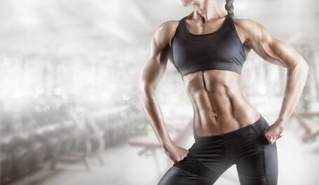 frau bodybuilding muskeln gym