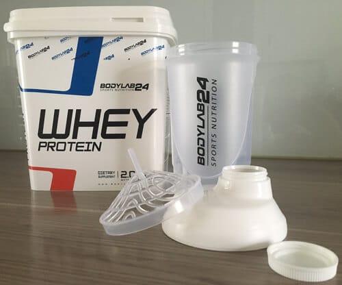 whey-protein-bodylab24-2000g-eimer-mit-shaker