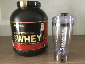 optimum nutrition 100 whey gold standard test tuete und shaker test