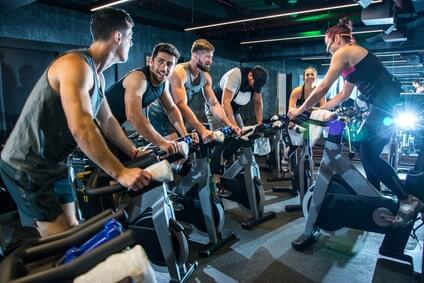 menschen fitness spinning