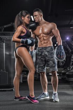 fitness training mann frau boxhandschuhe